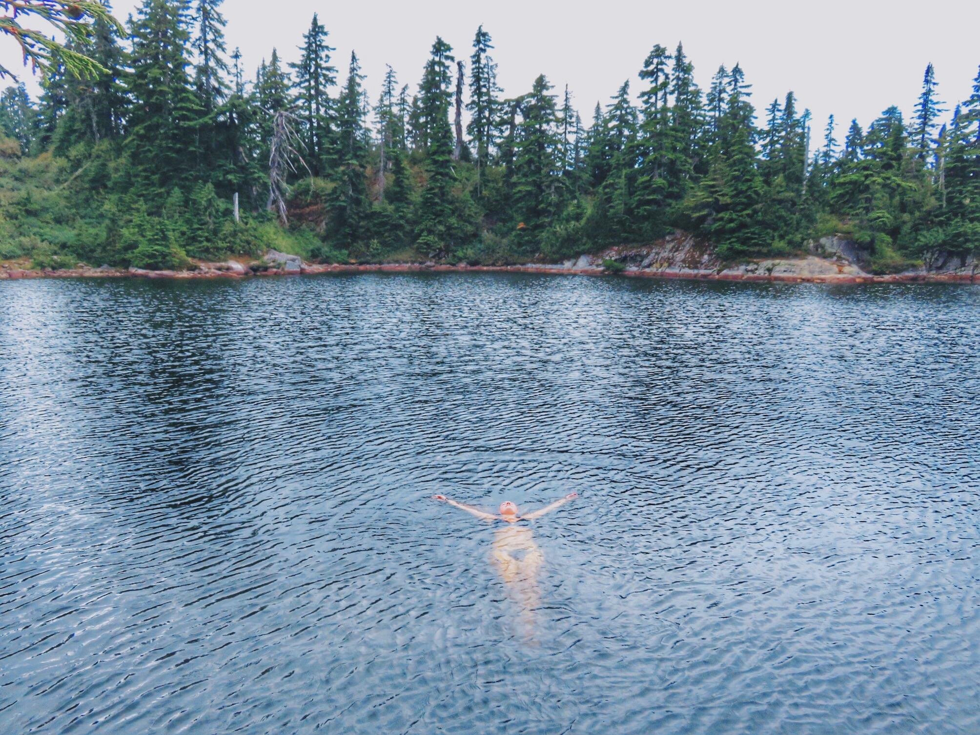 jana meerman cabin lake hike vancouver bc