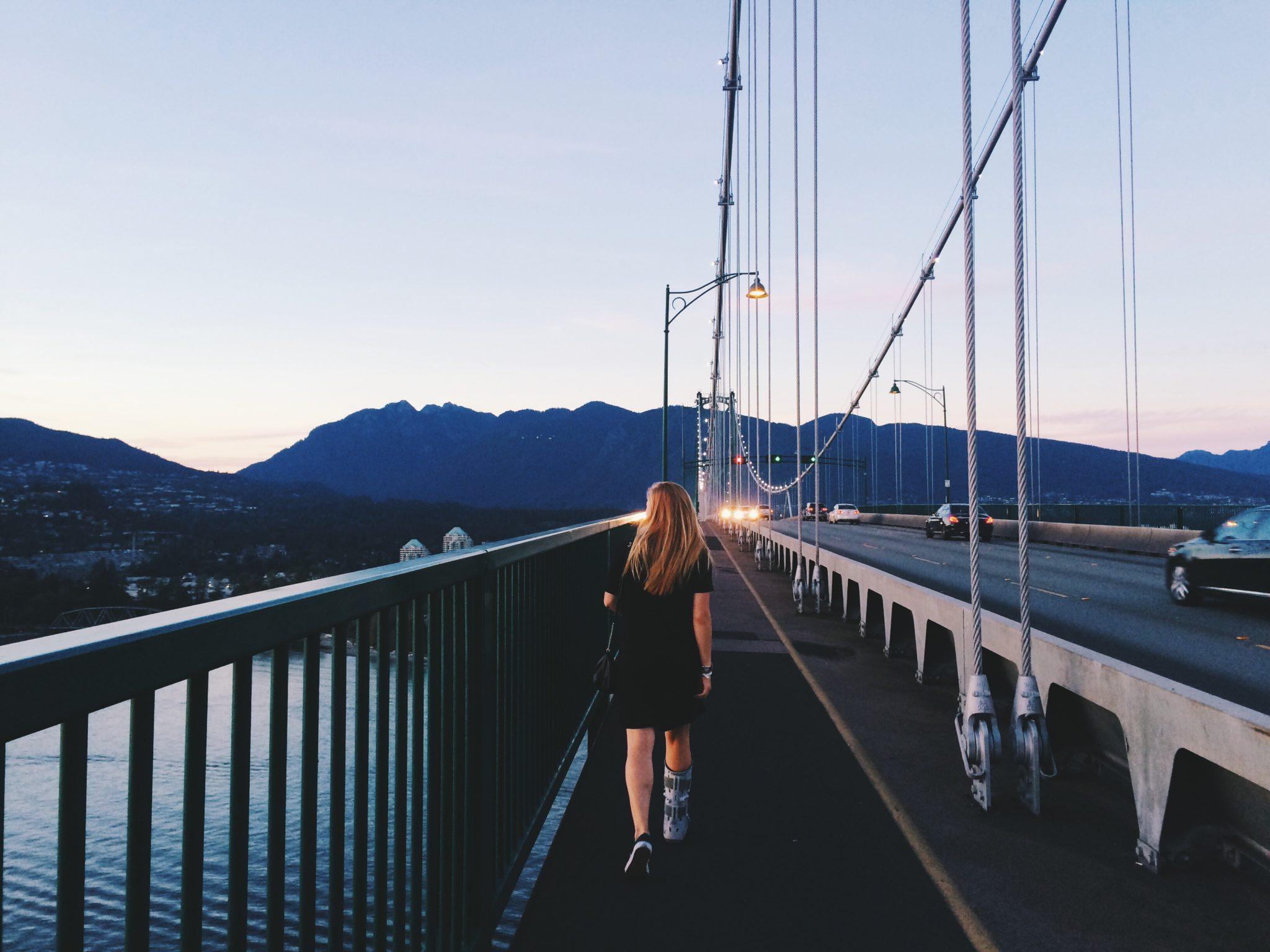 jana meerman lions gate bridge