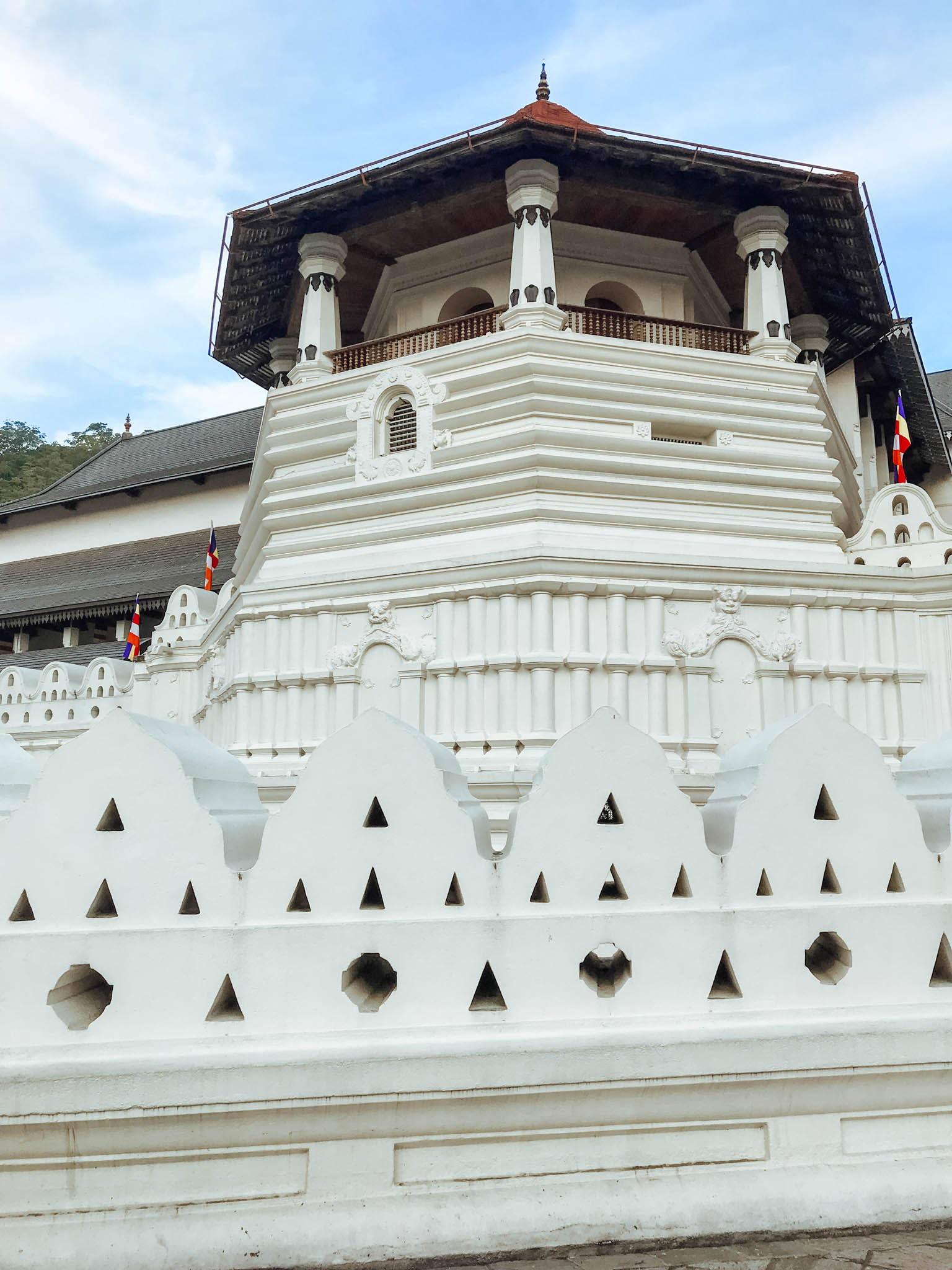jana meerman temple of the tooth kandy sri lanka-1