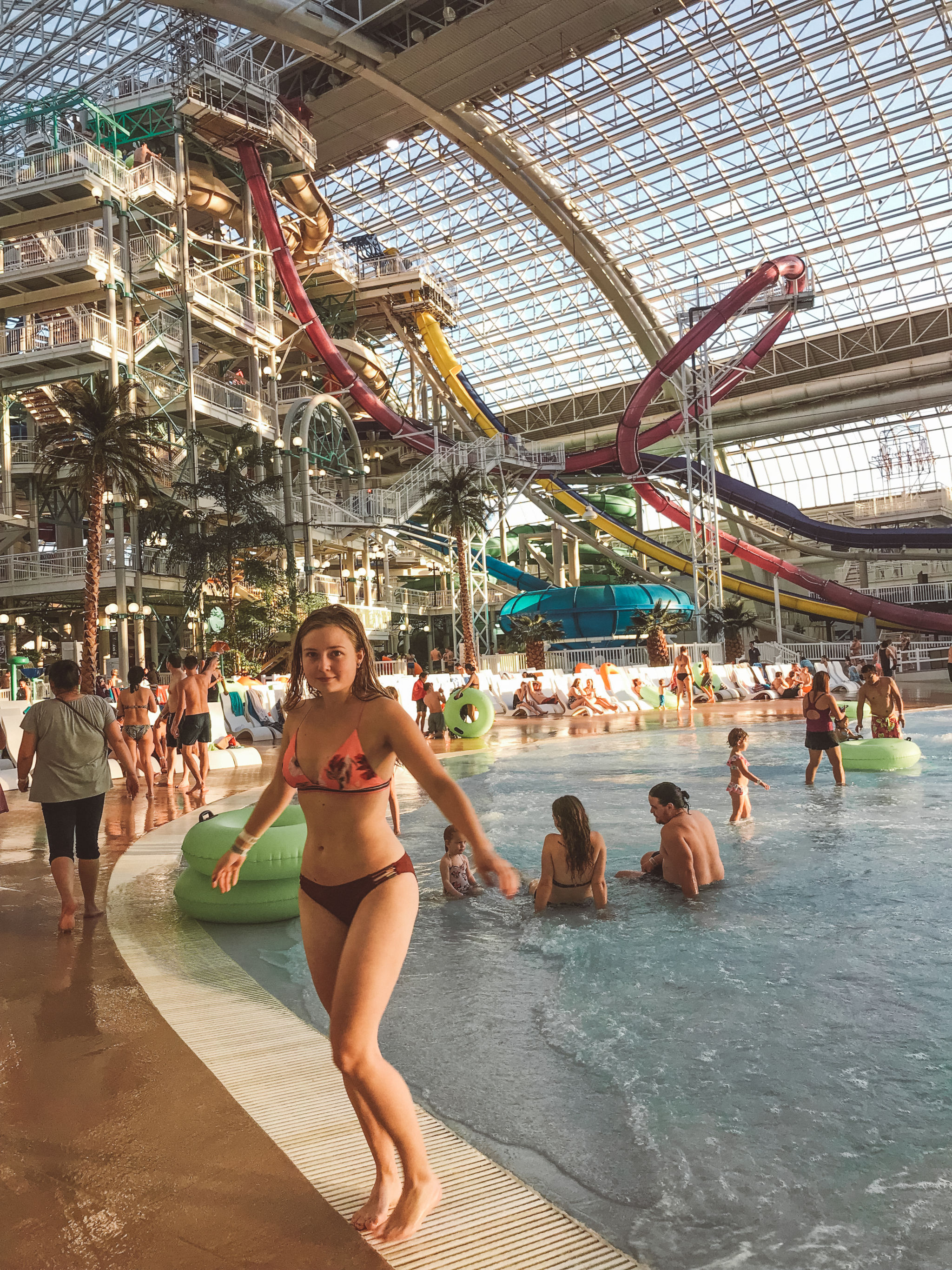 jana meerman west edmonton mall (3)