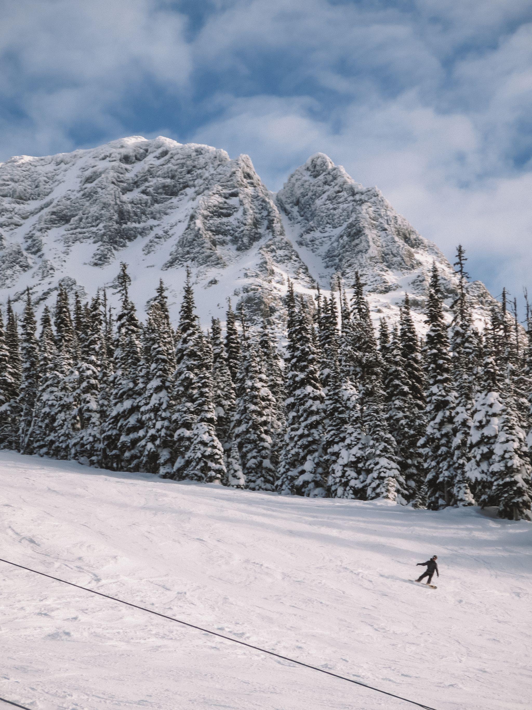 jana meerman whistler skiing (1)
