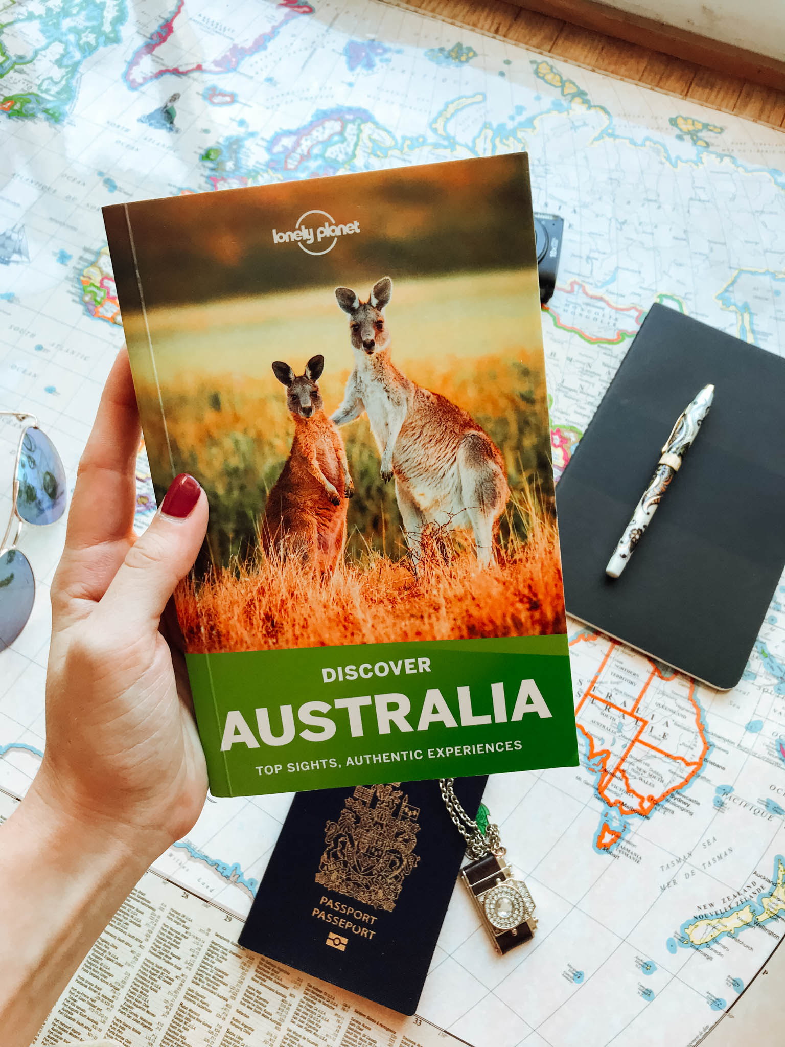 jana meerman australia flatlay lonely planet-5