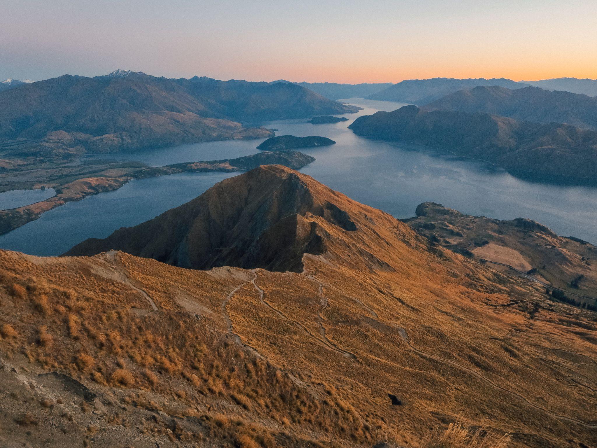 jana meerman roy's peak wanaka (1)