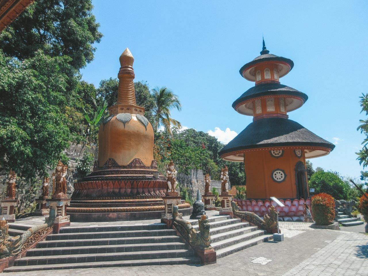 jana meerman brahma arama vihara temple lovina bali (2)