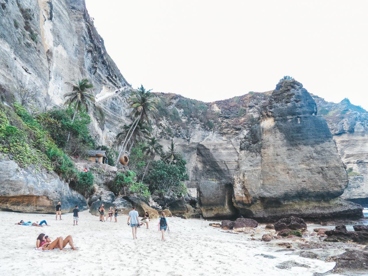 jana meerman diamond beach nusa penida (8)