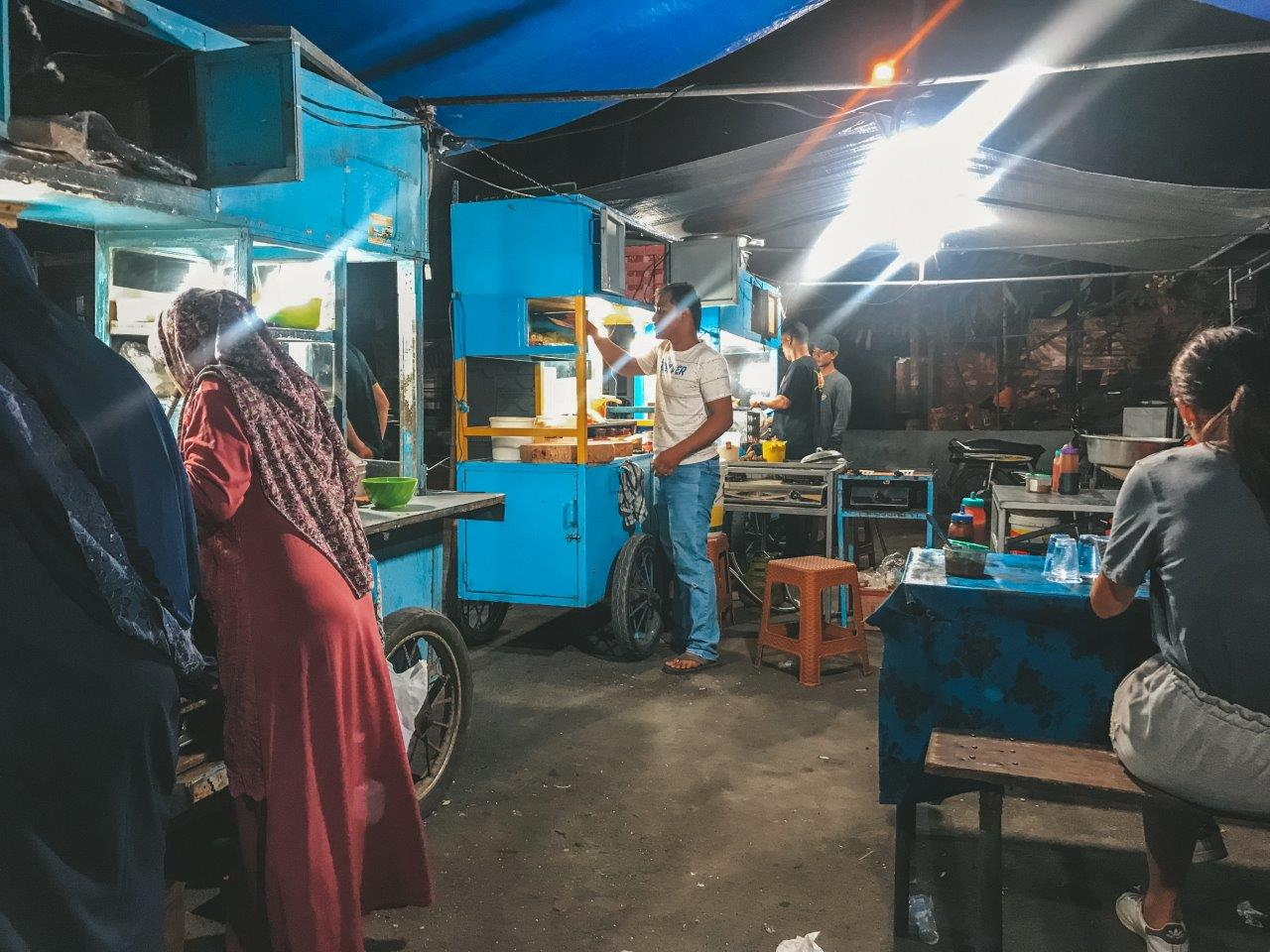 jana meerman night market nusa penida