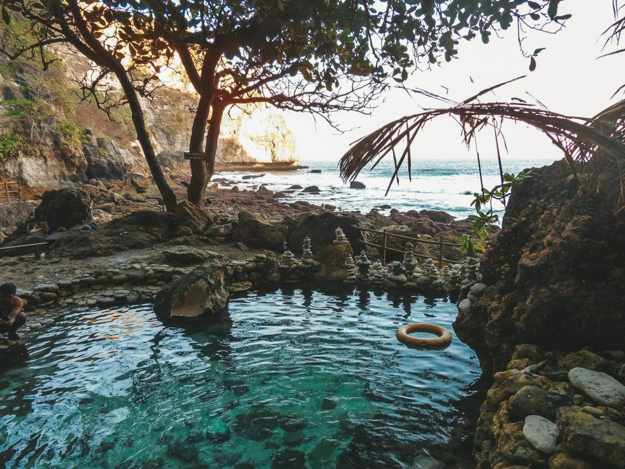 jana meerman tembeling natural pools nusa penida