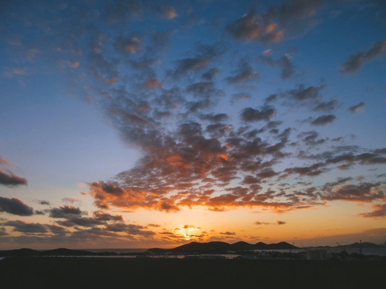 jana meerman sunset auberge de jeunesse noumea new caledonia (3)