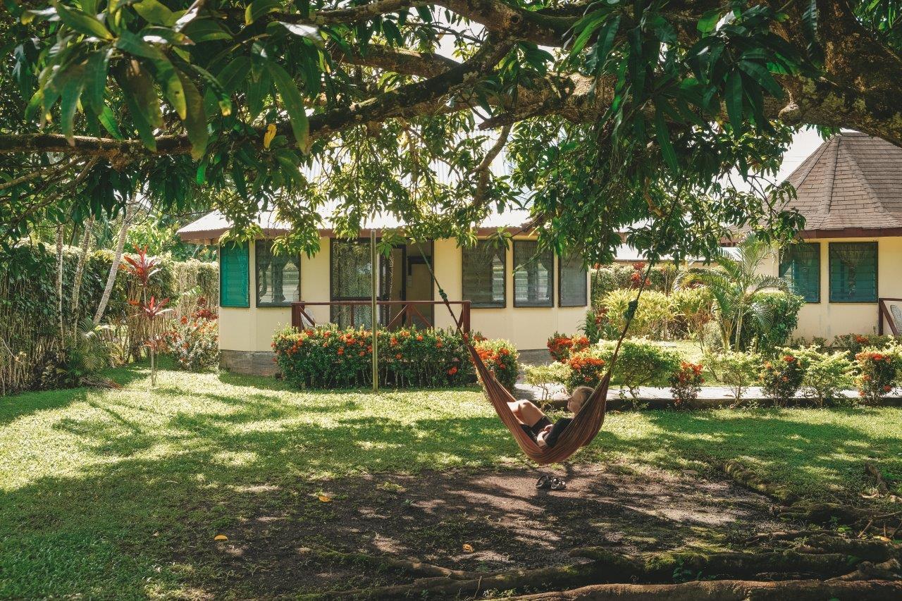 jana meerman savaiian hotel samoa (1)