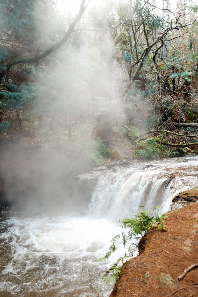 jana meerman kerosene creek rotorua (1)