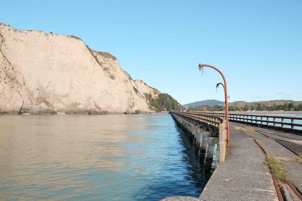 jana meerman tolaga bay wharf (1)
