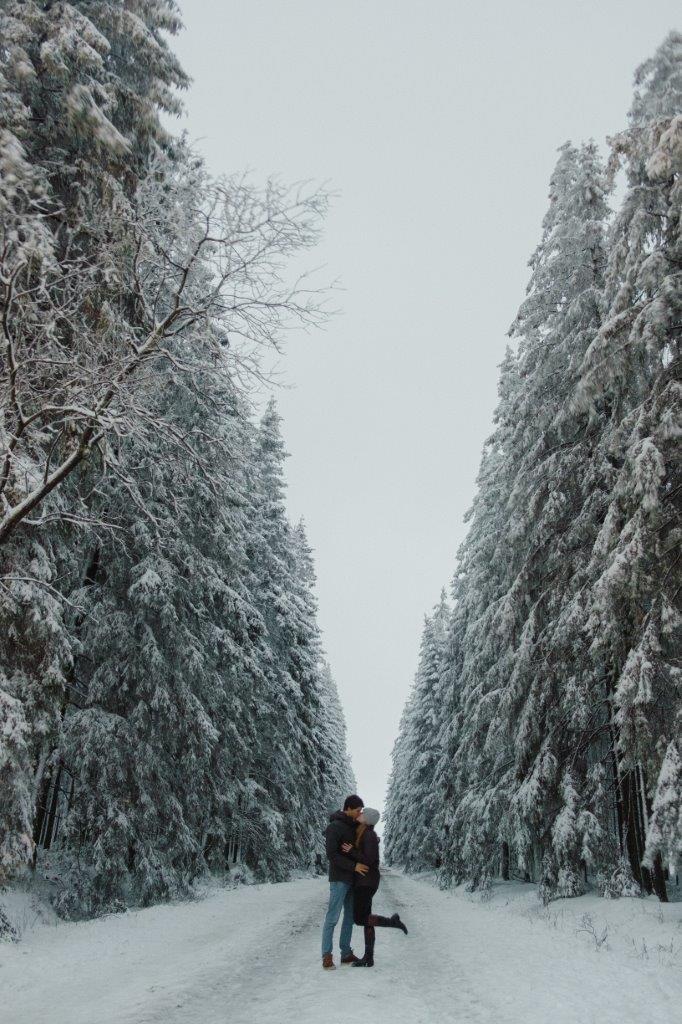 jana meerman couple snow dancing belgium (2)
