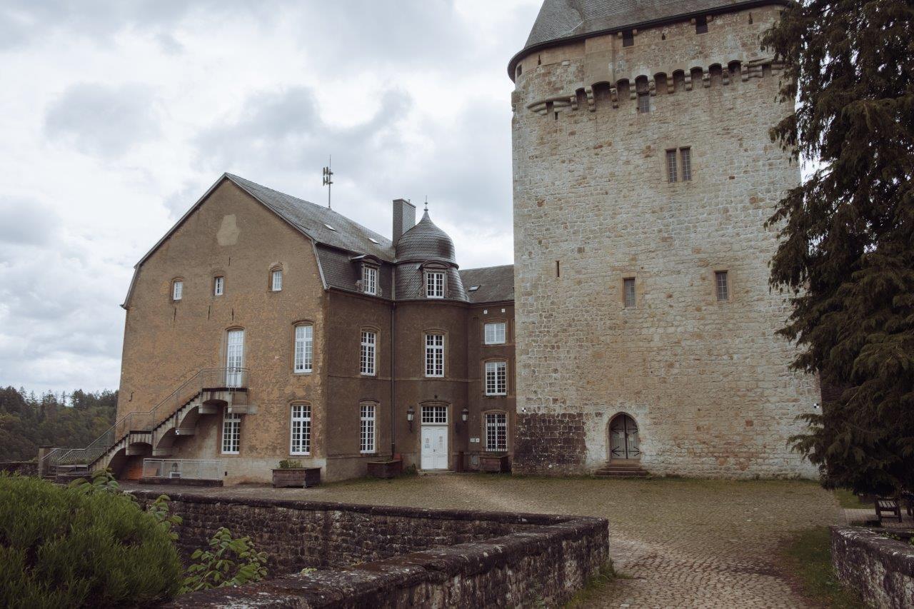 jana meerman hollenfels castle